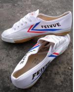 """濒临绝境的飞跃鞋 在国外商标被法国人抢注 如今可用""""凄凉""""来形容"""